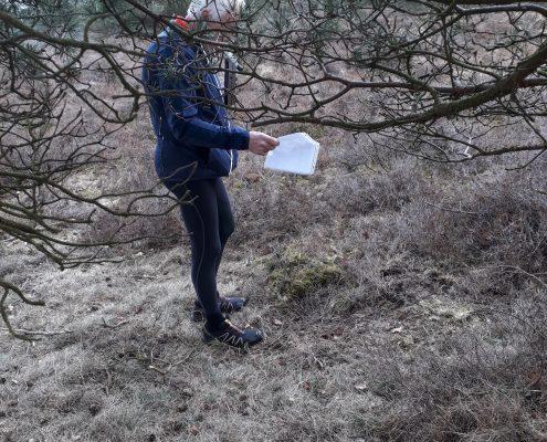 Dick PA0DFN ziet door takken het bos niet meer